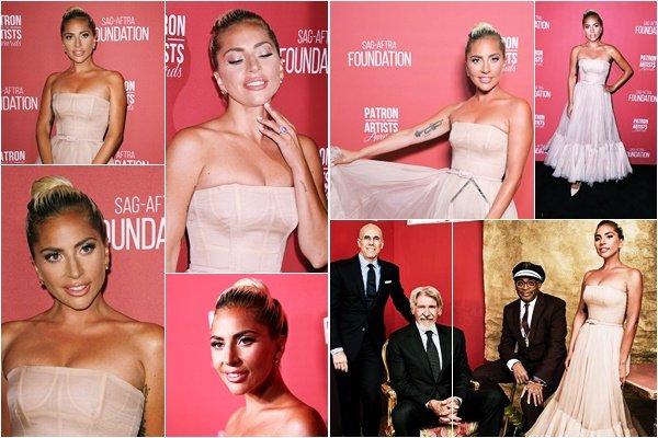 08/11/18   ▬ Lady Gaga était présente à la cérémonie des  « Patron of the Artists Awards  » . C'est un Top.