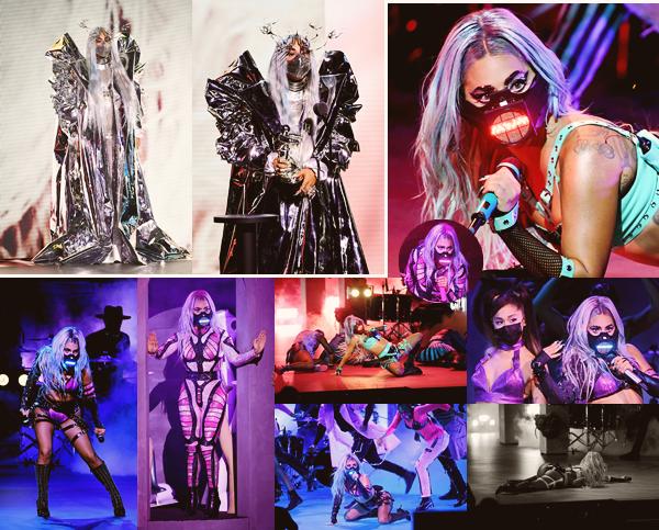 30/08/20   ▬ Gaga était présente à la cérémonie des  « Vidéo Music Awards » à New York City. Elle reçoit les trophées de meilleure artiste de l'année, meilleur clip et collaboration avec Rain on me! Félicitations!
