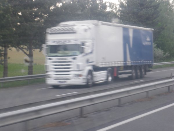 camion vue sur la route
