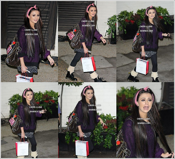 Cher arrivant à X Factor pour une conference de press.