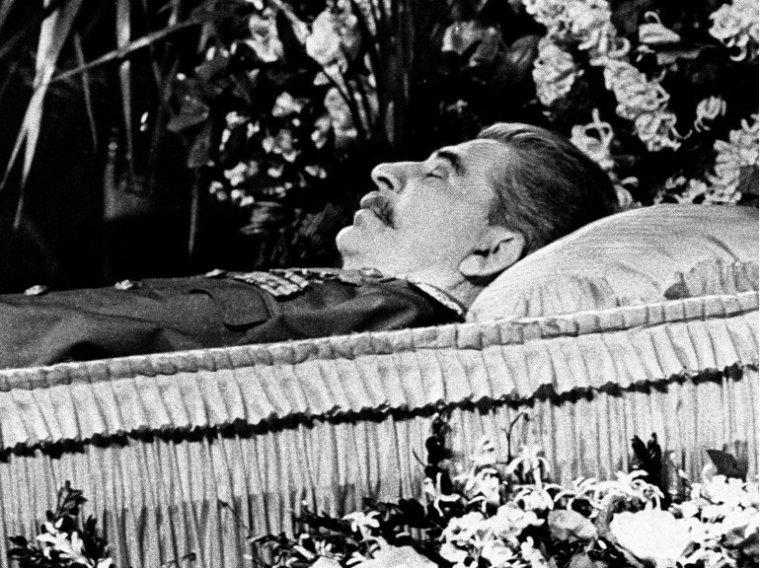 MËME AU DELA DE LA MORT