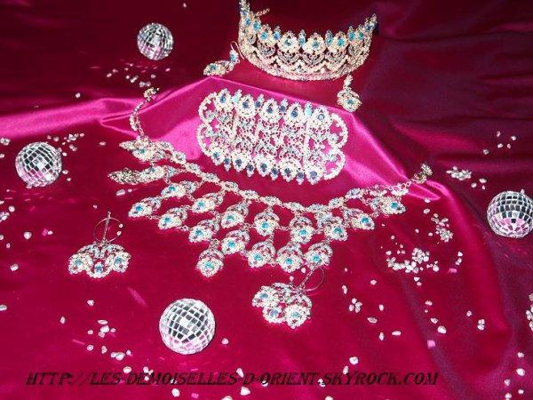 Parure de bijoux turquoise en location