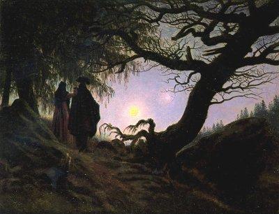un homme et une femme contemplant la lune