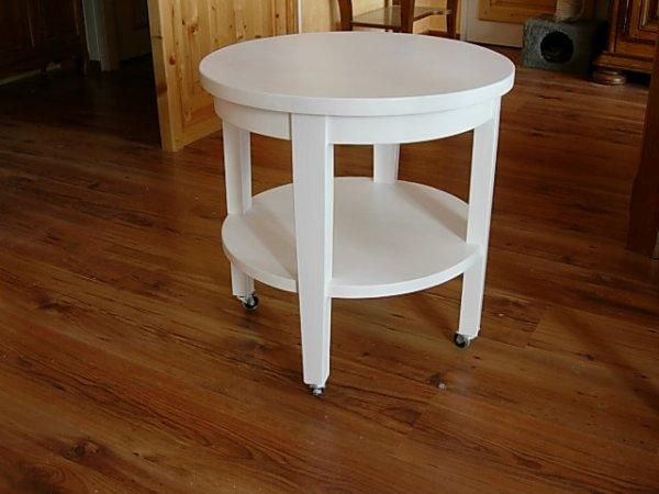 une table basse ronde  50cm laquée  blanc