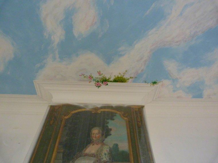 Fresque plafond détails ( le haut supérieur de la corniche est en trompe l'oeil )