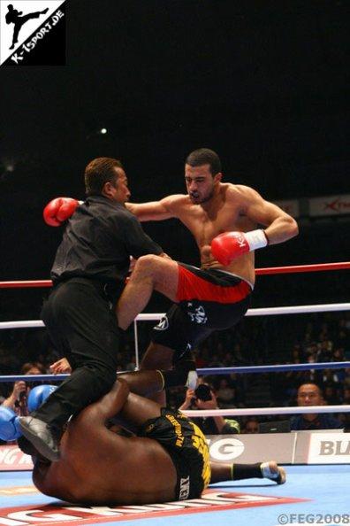 $)  Match Remy Bonjasky vs. Badr Hari  $)