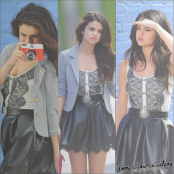 Selena a récemment fait un photoshoot pour Nylon Magazine.