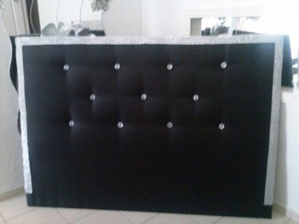 Tete de lit noir avec diaman et strass sur les cote tete de lit cortes - Tete de lit avec strass ...