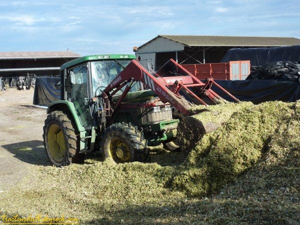 ensilage de maïs 2010 ( 25 et 26 aout 2010 )