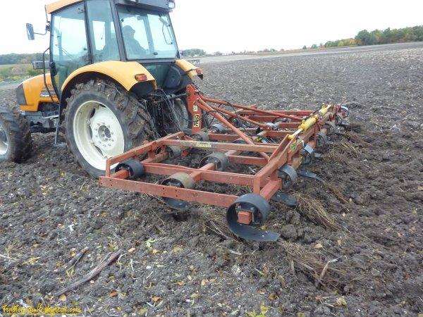 préparation des terres pour semis de blé 2010 ( 02 novembre 2010 )