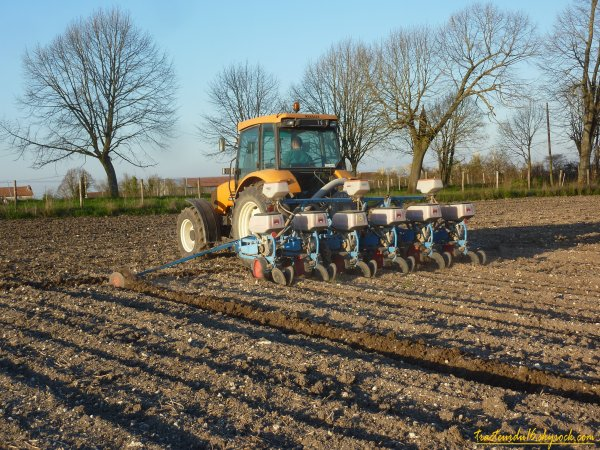 Semis de maïs 2011 ( 23 mars 2011 )