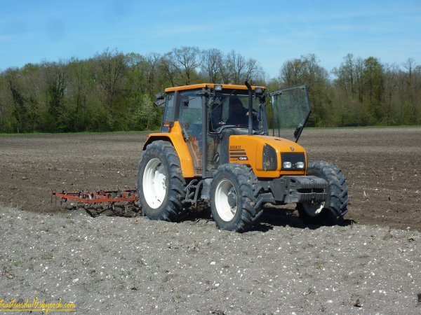 Préparation des terres 2011 ( 06 avril 2011 )