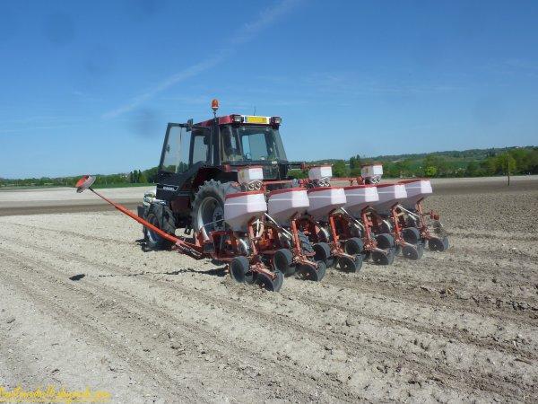 Semis de maïs 2011 ( 09 avril 2011 )