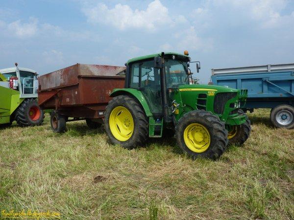Ensilage d'herbe 2011 ( 27 avril 2011 )