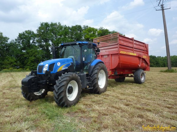 Ensilage d'herbe 2011 ( 11 mai 2011 )
