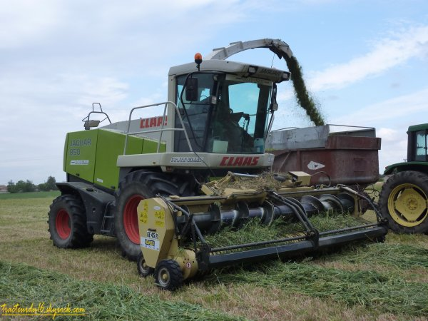 Ensilage d'herbe 2011 ( 14 mai 2011 )