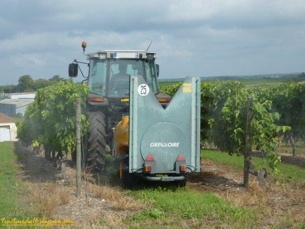 Traitement des vignes 2011 ( 24 juillet 2011 )
