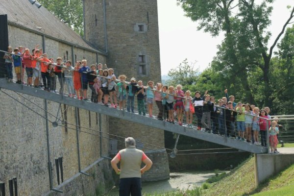 Ce mercredi ateliers dans le château et jeu d'orientation dans le village.