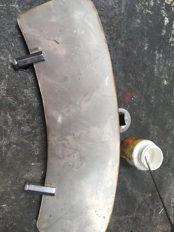 Comment fabriquer une plaque de garde boue pour moto ancienne