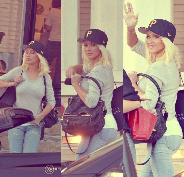 Christina se balladant à Beverly Hills