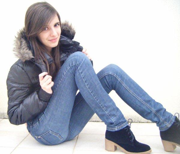 Pauline Deloche, 15ans. ------------------------------------------------Est célibataire.