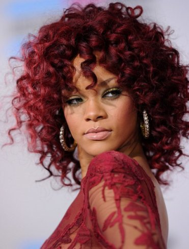 Rihanna Rumored to Perform for hot tv show American Idol?