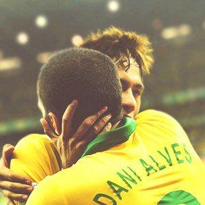 Montre tes couleurs, respire le football, et soutiens ton équipe ♥