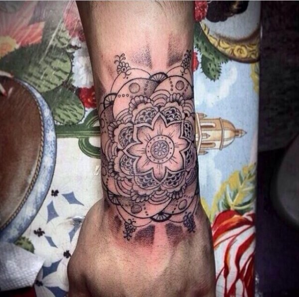 Vous pensez quoi du nouveau tattouage de Zayn?? Perso j'aime pas.