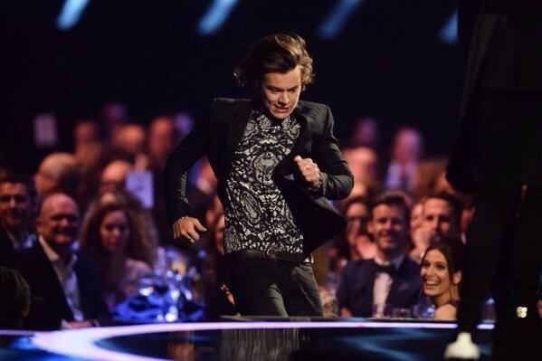 Quel etait votre reaction quand Harry courrait pour rejoindee les boys sur scene?