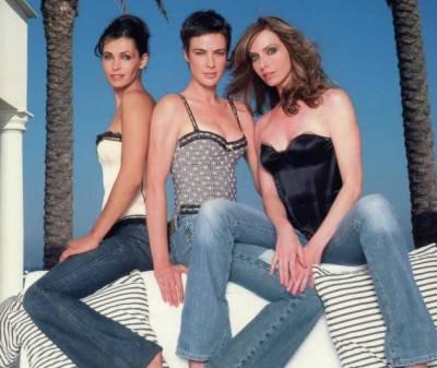 Les trois héroïnes : Caroline, Laure & Jessica