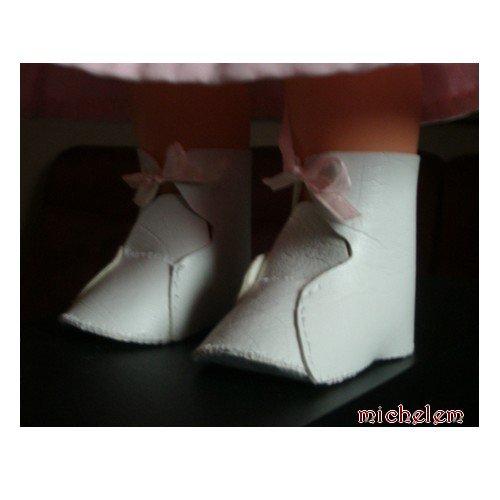 robe, chapeau et chaussures pour une Cares