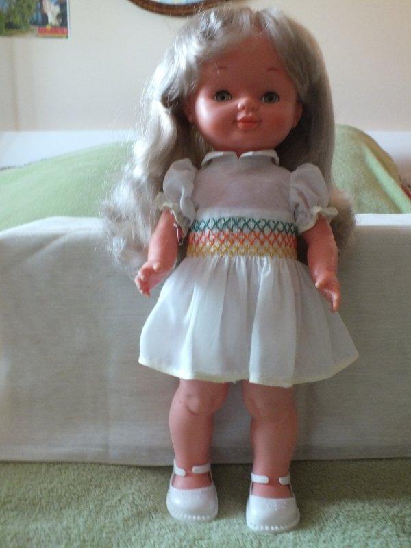 Présentation des poupées du vide-grenier du 7 mai (suite)