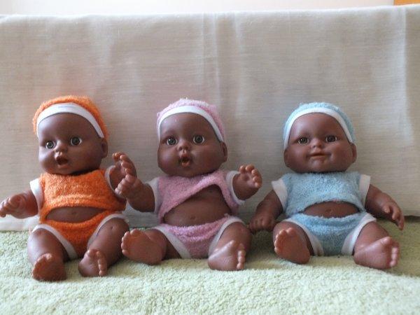 Présentation des poupées du vide-grenier du 7 mai