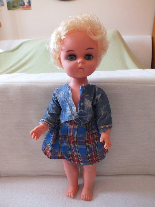 présentation individuelle des poupées trouvées le 14 mai (suite)