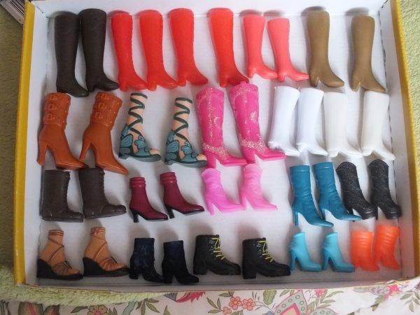 chaussures de poupées