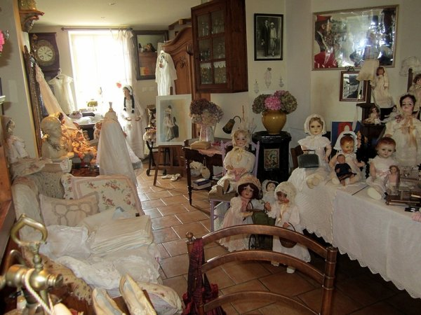 maison de poupées à Saint-Liziers