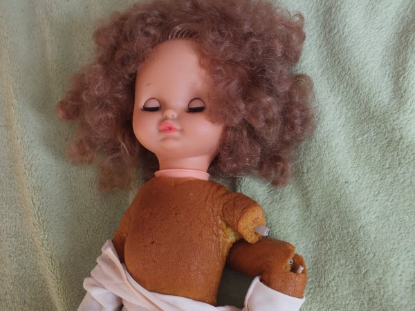 réparation d'une poupée Clodrey