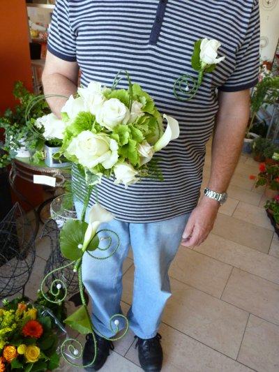 Bouquet de mariée avec structure en fil de laiton