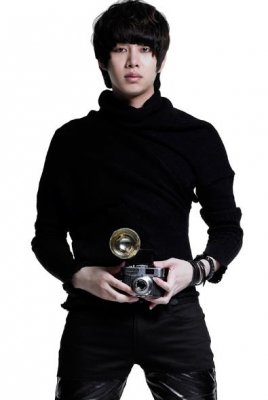 Article 2 : Super Junior Heechul