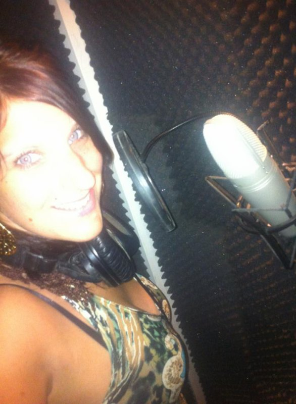 Dans le studio d enregistrement :)))))