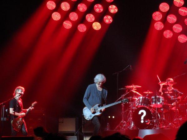 Concert LES INSUS (Ex Téléphone) - Zénith d'Amiens (80), le 27/04/2016