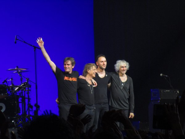 Concert LES INSUS (Ex Téléphone) - Zénith de Nantes (44), le 07/05/2016