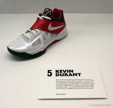 Je vous présente les chaussures de l'incroyable joueur de basket kevin durant!!!!!!!!!!!!!!!!!