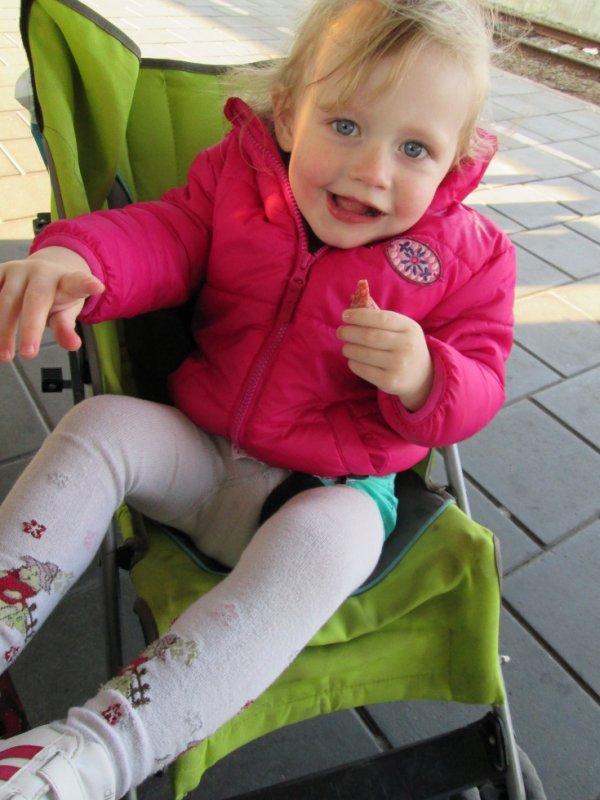 ma princesse a la gare de oostende pour notre petit wk