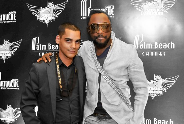 BLACK EYED PEAS : WILL I AM & APL.DE.AP, BOB SINCLAR & DAVID GUETTA @ NRJ MUSIC AWARDS 2011                  http://www.loicb-photographe.com/