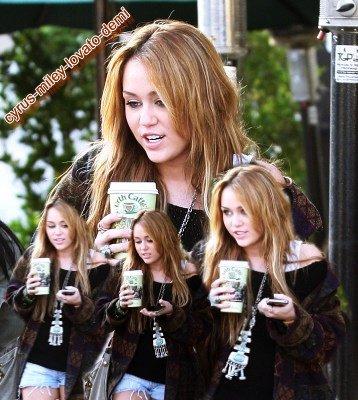 30.12.10 Miley Cyrus au Urth Caffe, West Hollywood