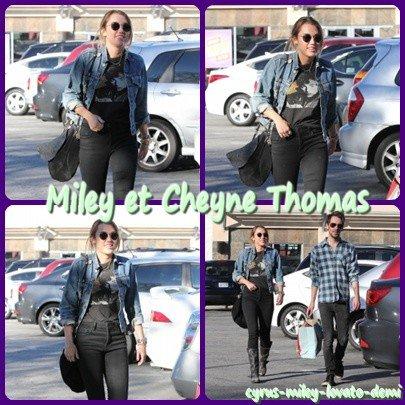 04.01.11 Miley & Cheyne Thomas Sortent Dans Studio City