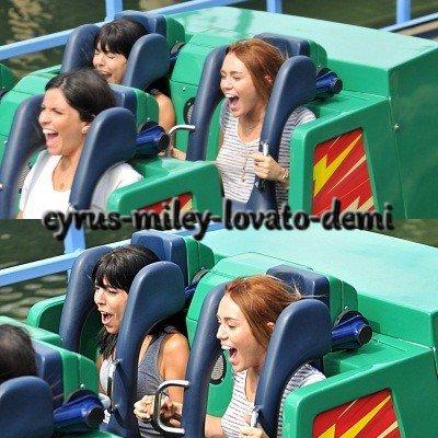 04.05.12 : Miley et Jen Talarico à Disneyland