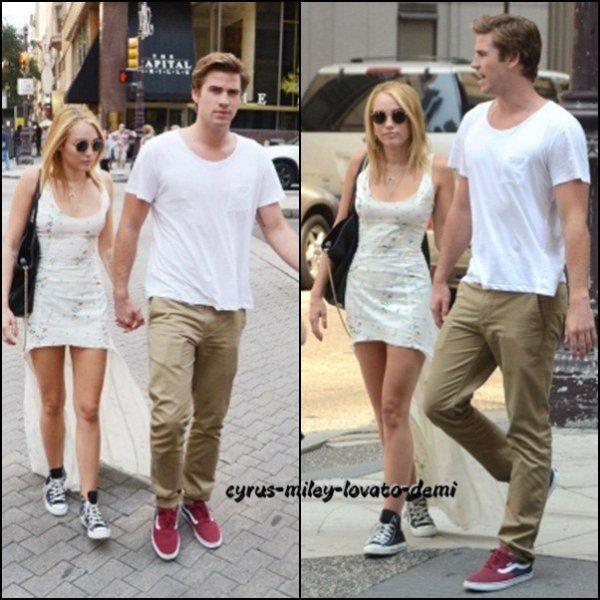 Le 18 juillet ,  Miley & Liam déjeunent au Capital Grille , Philadelphie .