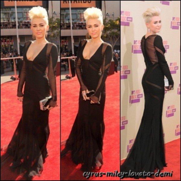 Miley arrivant au MTV Video Music Awards 2012 , le 6 septembre.